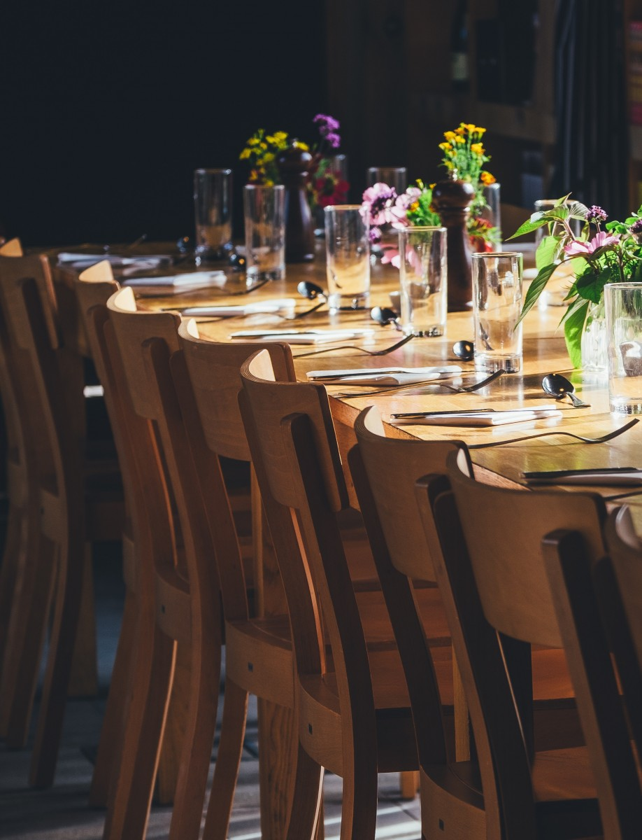 Be Mindful Of These Dinner Party Faux Pas
